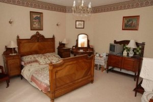 Crete Down Bed and Breakfast Folkestone Burgundy Double Room
